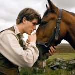 TRAILER TITILLATION: WAR HORSE