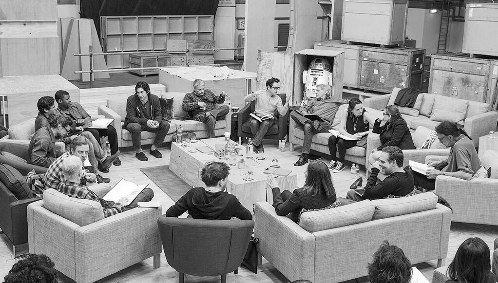 OFFICIAL STAR WARS: EPISODE 7 CAST ANNOUNCED!